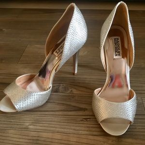 NWT Badgley Mischka Mitzi Pump